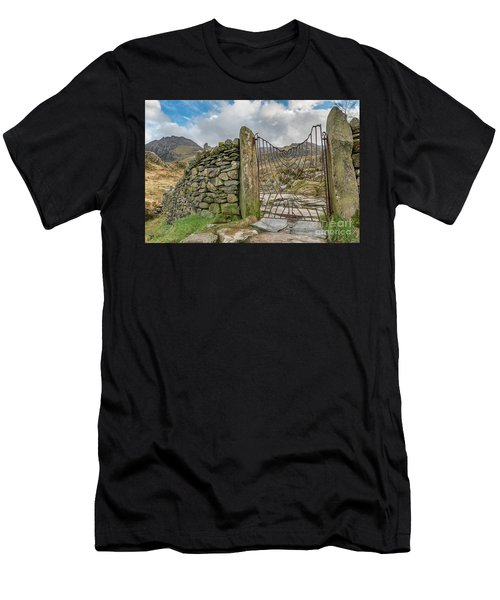 Decorative Gate Snowdonia Men's T-Shirt (Athletic Fit)