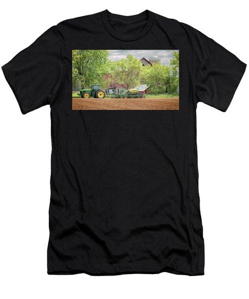 Deere On The Farm Men's T-Shirt (Athletic Fit)