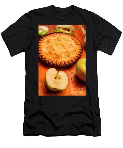Delicious Apple Pie With Fresh Apples On Table Men's T-Shirt (Athletic Fit)