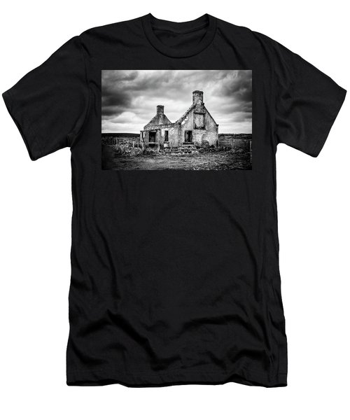 Derelict Croft Men's T-Shirt (Athletic Fit)