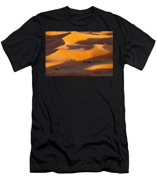 Desert And Caravan Men's T-Shirt (Athletic Fit)