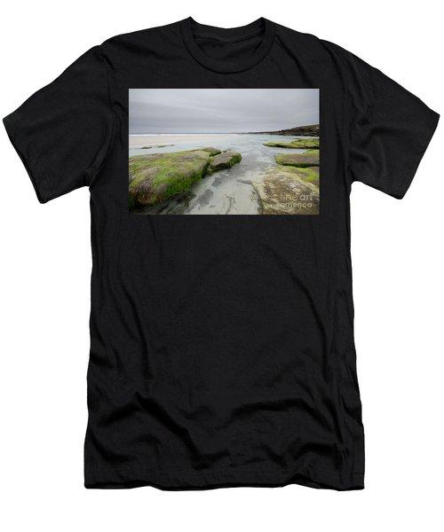 Desolate Men's T-Shirt (Athletic Fit)