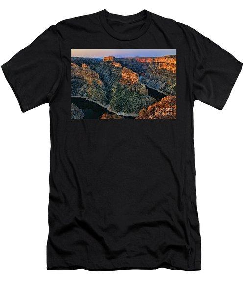 Devils Overlook Big Horn Canyon Men's T-Shirt (Athletic Fit)