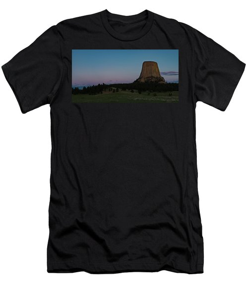 Men's T-Shirt (Athletic Fit) featuring the photograph Devil's Tower At Dusk by Gary Lengyel