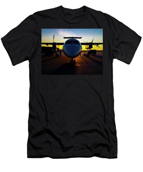 Dhc-8-300 Refueling Men's T-Shirt (Athletic Fit)