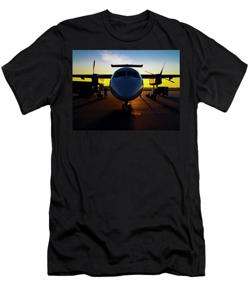 Dhc-8-300 Refueling Men's T-Shirt (Athletic Fit)