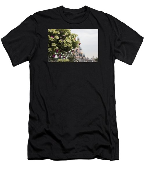 Disneyland Paris Flowers Men's T-Shirt (Athletic Fit)