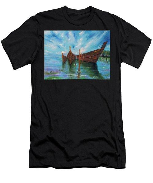 Docking Men's T-Shirt (Athletic Fit)