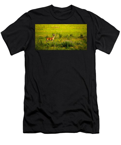 Whitetail Doe In Prairie Clover Men's T-Shirt (Athletic Fit)