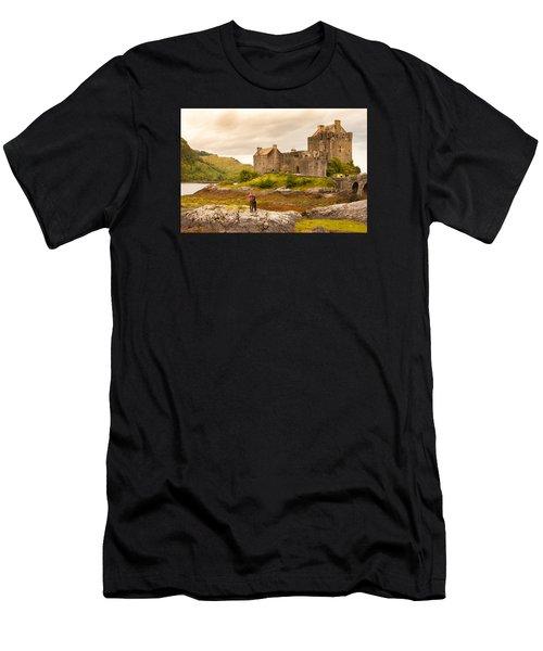 Donan Castle Men's T-Shirt (Athletic Fit)