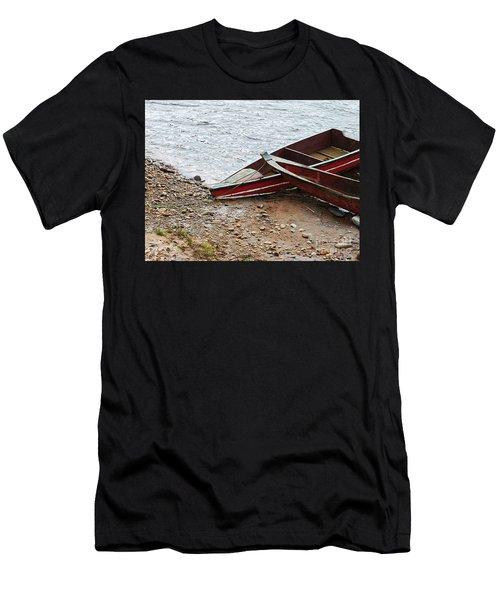 Dos Barcos Men's T-Shirt (Athletic Fit)