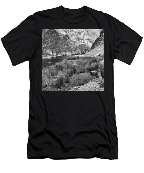 Dovedale, Peak District Uk Men's T-Shirt (Athletic Fit)
