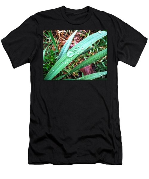 Men's T-Shirt (Athletic Fit) featuring the photograph Droplets by Robert Knight
