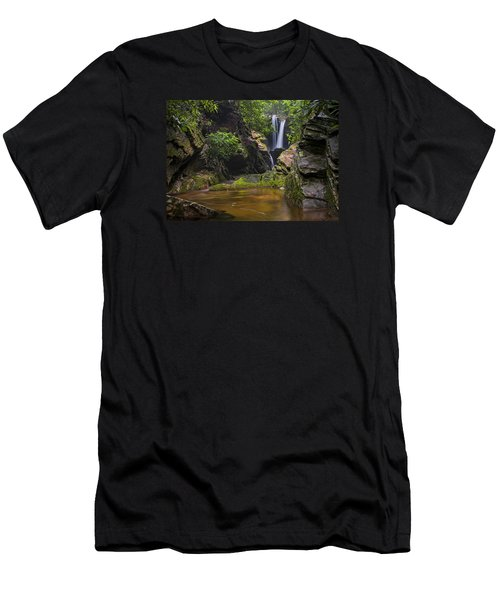 Dugger Falls Men's T-Shirt (Athletic Fit)