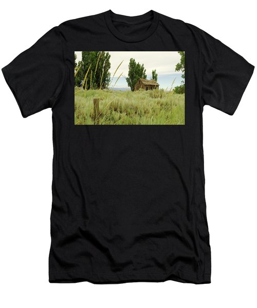 Dyer Country Home Men's T-Shirt (Athletic Fit)