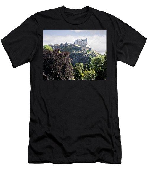 Edinburgh Castle Men's T-Shirt (Athletic Fit)