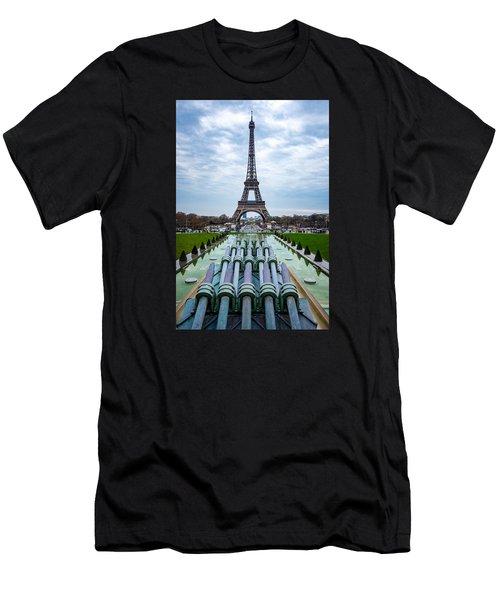 Eiffeltower From Trocadero Garden Men's T-Shirt (Athletic Fit)