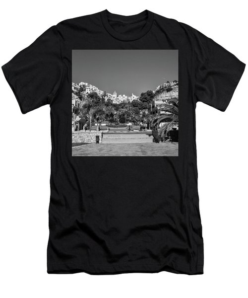 El Capistrano, Nerja Men's T-Shirt (Athletic Fit)