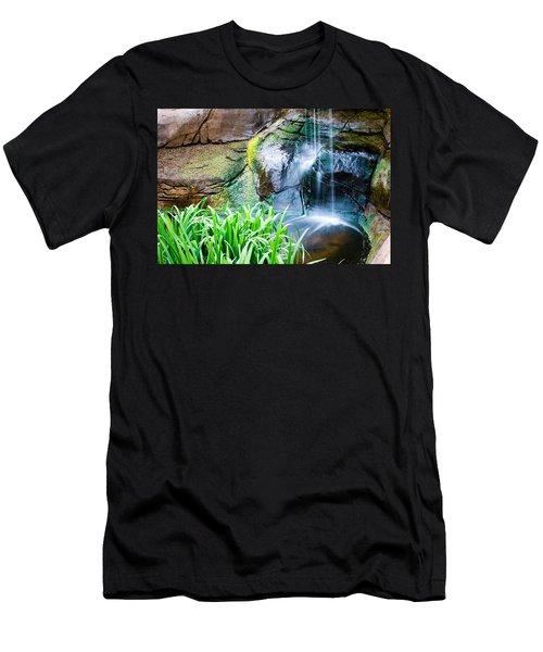 El Paso Zoo Waterfall Long Exposure Men's T-Shirt (Athletic Fit)
