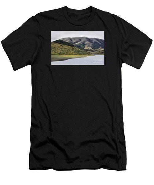 Elephant Hill Men's T-Shirt (Athletic Fit)