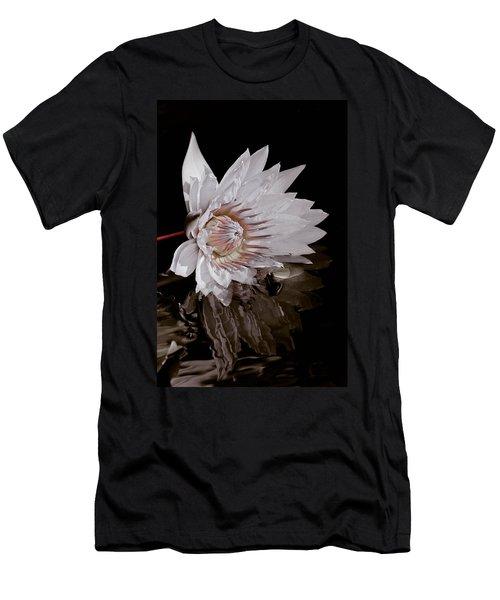 Elizabeth's Lily Men's T-Shirt (Athletic Fit)