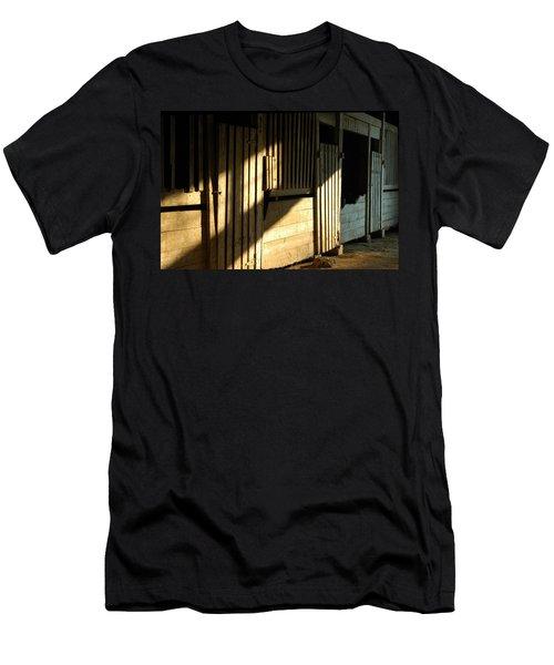 Ellwood Barn 1 Men's T-Shirt (Athletic Fit)
