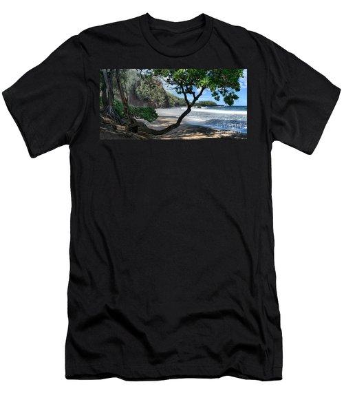 Enchanted Rocks Koki Beach Haneoo Hana Maui Hawaii Men's T-Shirt (Athletic Fit)