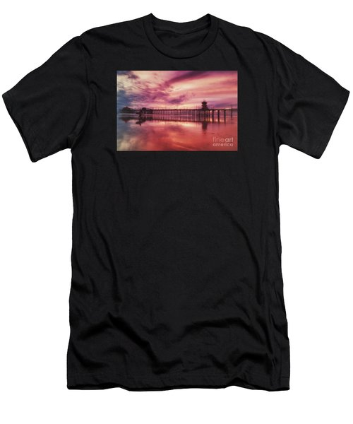 End Of Days At The Pier Men's T-Shirt (Athletic Fit)