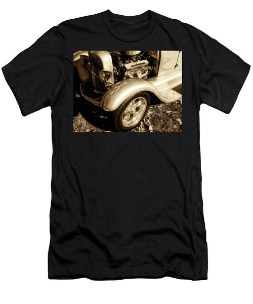End Of Season Bw Men's T-Shirt (Athletic Fit)