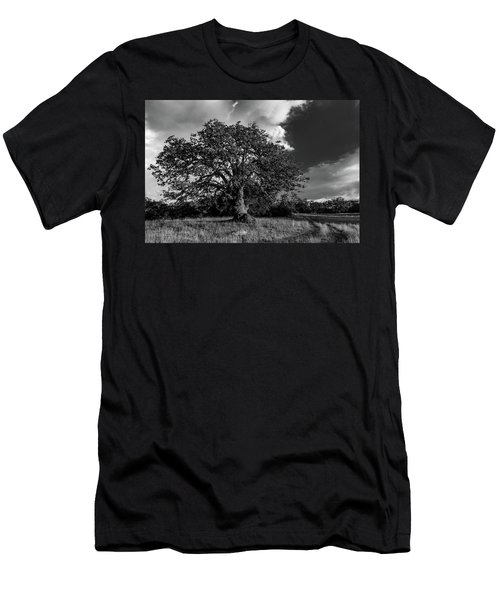 Engellman Oak Palomar Black And White Men's T-Shirt (Athletic Fit)