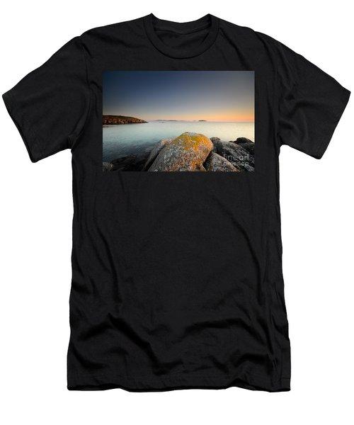 Eriskay Dusk Men's T-Shirt (Athletic Fit)