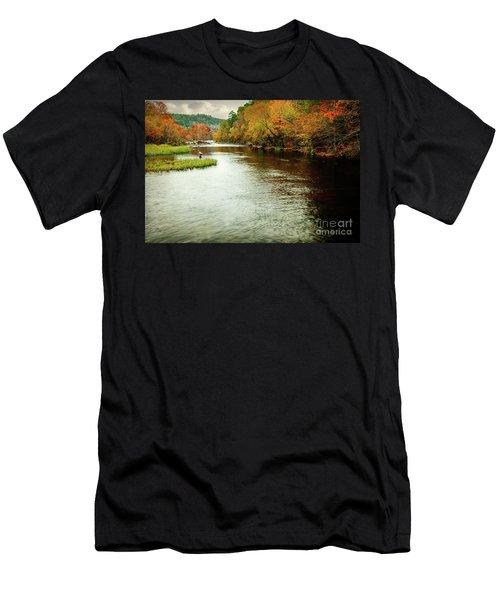Escape To Beaver's Bend Men's T-Shirt (Athletic Fit)