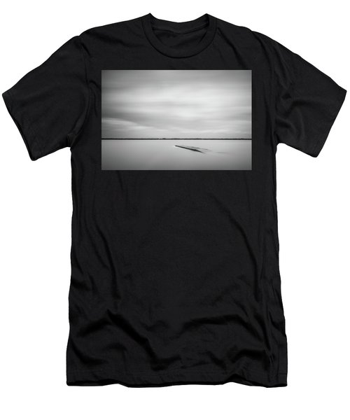 Ethereal Long Exposure Of A Pier In The Lake Men's T-Shirt (Athletic Fit)