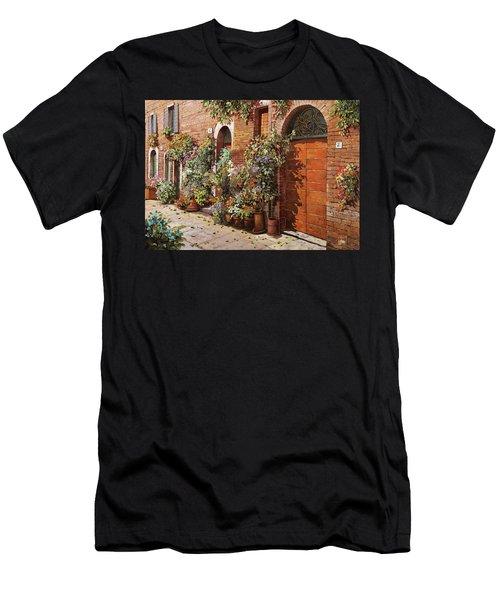 Facciata Fiorita Di Mattoni  Men's T-Shirt (Athletic Fit)