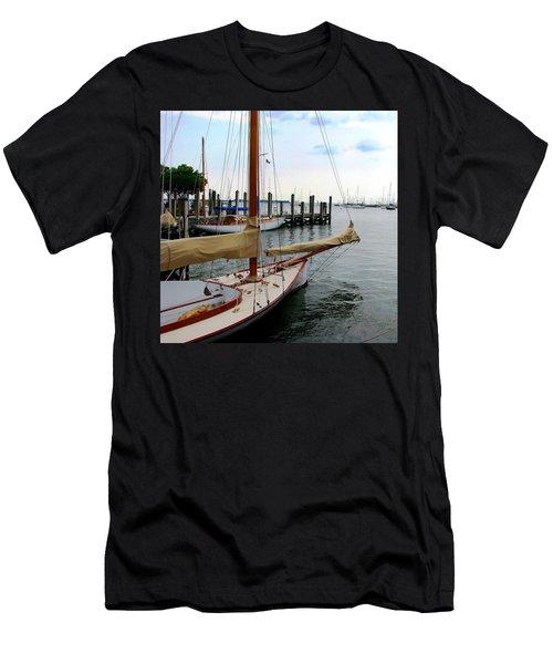 Fair Weather Annapolis  Men's T-Shirt (Athletic Fit)