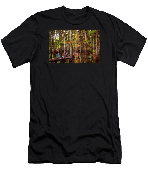Family Bayou Fishing Men's T-Shirt (Athletic Fit)