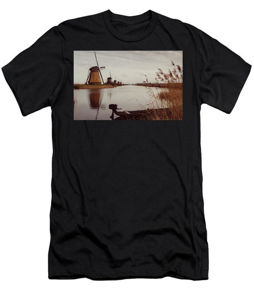 Famous Windmills At Kinderdijk, Netherlands Men's T-Shirt (Athletic Fit)