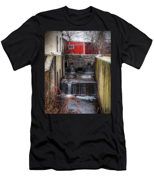 Feeder Canal Lock 13 Men's T-Shirt (Athletic Fit)