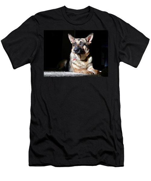 Female German Shepherd Men's T-Shirt (Athletic Fit)