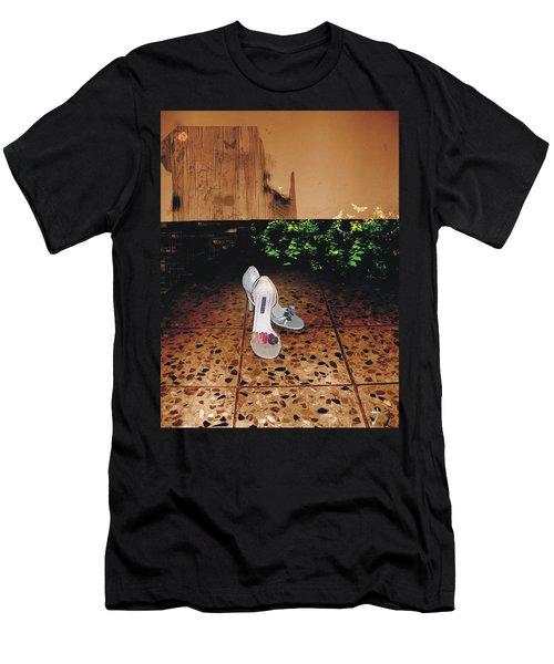 Femenina Men's T-Shirt (Athletic Fit)