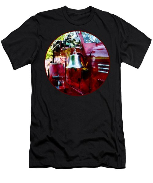 Fireman - Bell On Fire Engine Men's T-Shirt (Slim Fit)