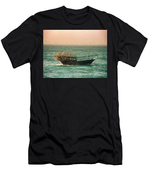 Fishing Dhow Men's T-Shirt (Athletic Fit)