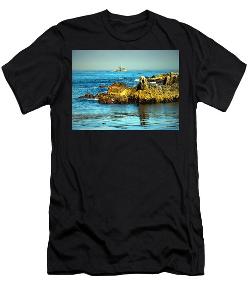 Fishing Monterey Bay Ca Men's T-Shirt (Athletic Fit)