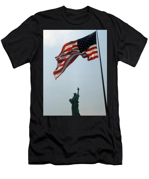Flag And Statue Of Liberty Men's T-Shirt (Athletic Fit)