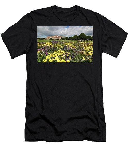 Flower Bed Hampton Court Palace Men's T-Shirt (Athletic Fit)