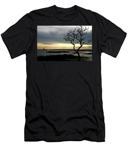 Fort Foster Men's T-Shirt (Athletic Fit)