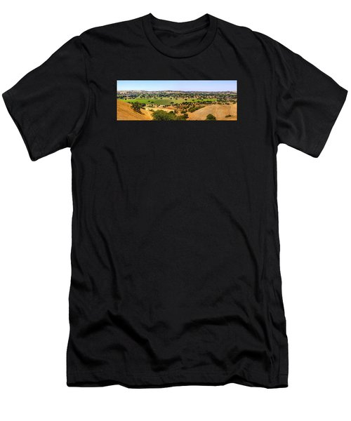 Foxen Canyon California Men's T-Shirt (Athletic Fit)