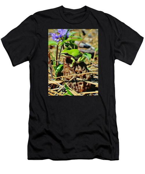 Frog On A Morel Men's T-Shirt (Athletic Fit)
