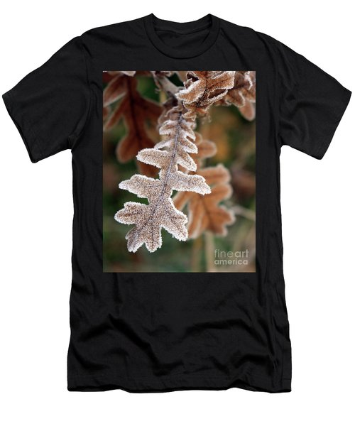 Frost Covered Oak Leaf Men's T-Shirt (Athletic Fit)