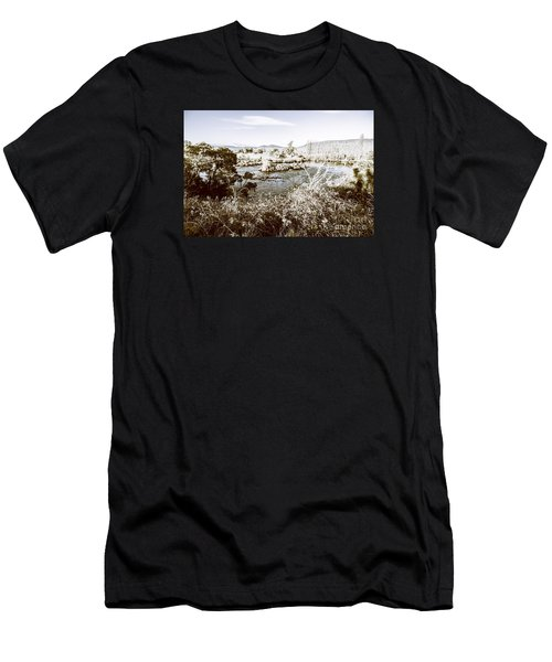 Frost Covered River Men's T-Shirt (Athletic Fit)
